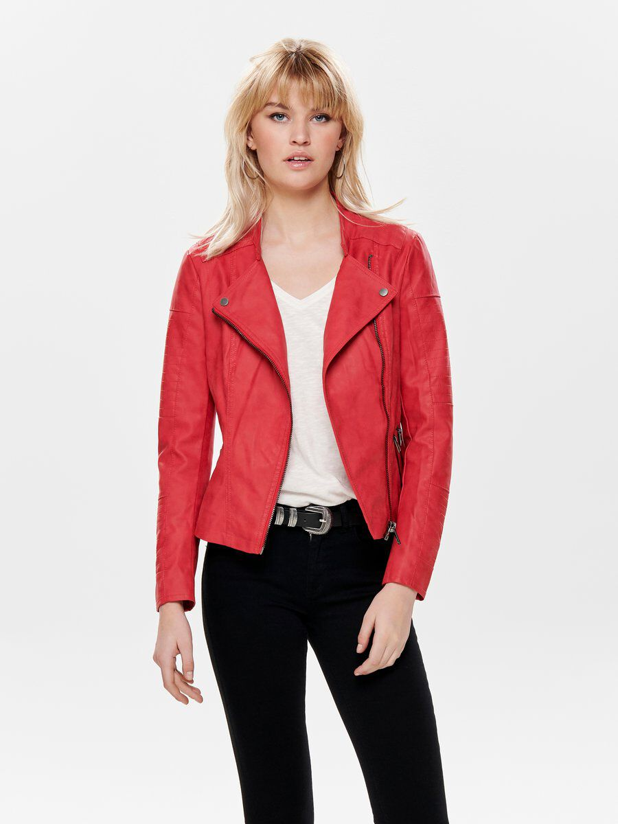 Style leather jackets in diverse ways to up the fashion game