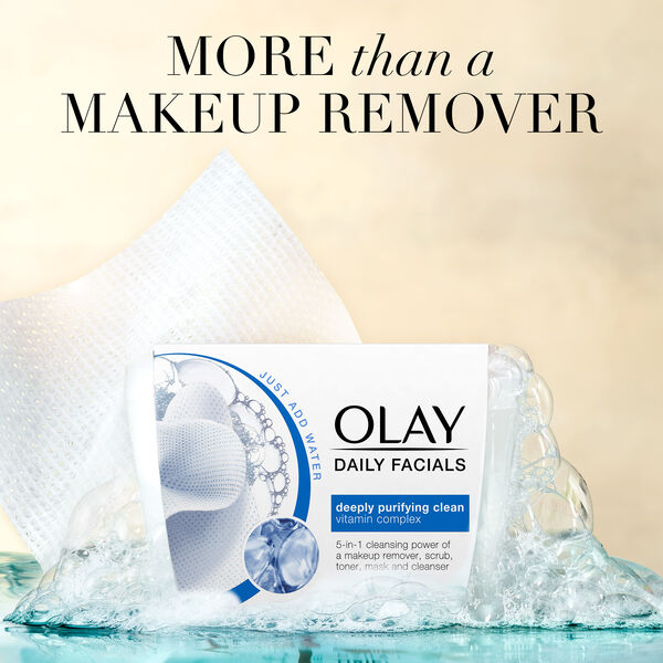 Olay Daily Facial Cleansing Cloths for a Deeply Purifying Clean, Makeup Remover, 66 Count
